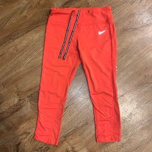 Dri-fit Nike cropped pants